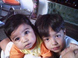 Davi & Caio pequenininhos, 2004